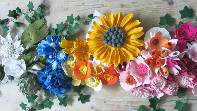 Genoeg Rouwbloemen in Eindhoven, Viltbloemist biedt jou bloemen met 'n  OI-56