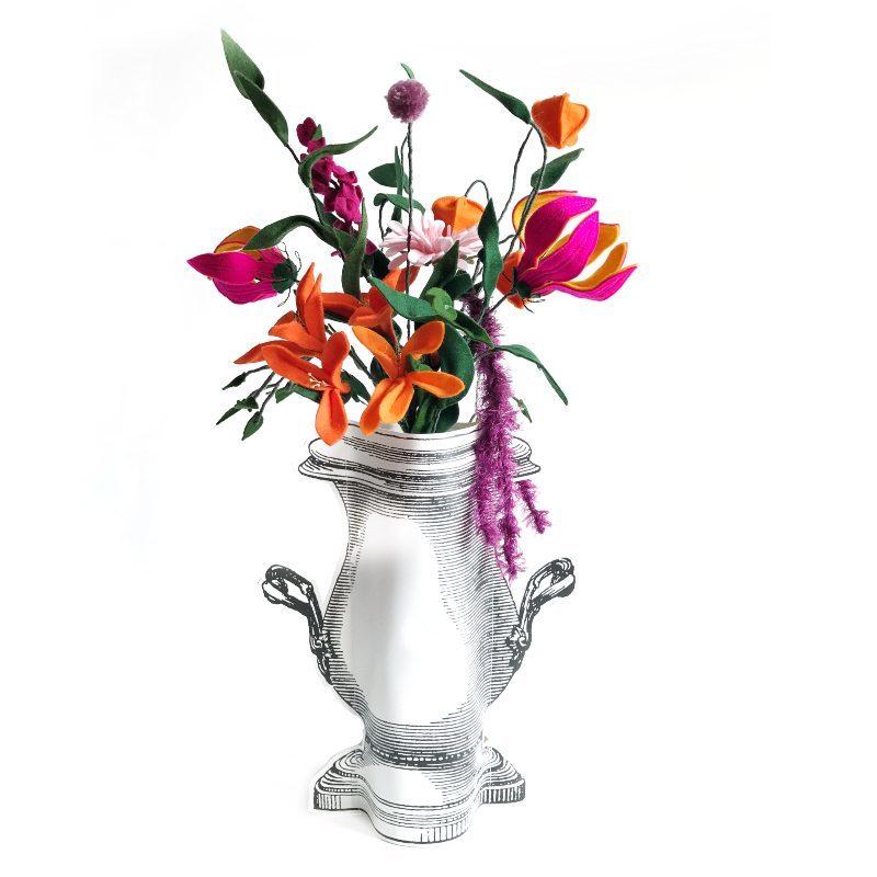Viltbloemist paper vase