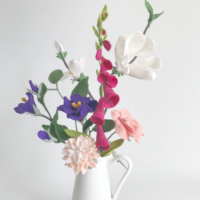 magnolia, Vingerhoedskruid, Lisianthus, Roos en Gerbera