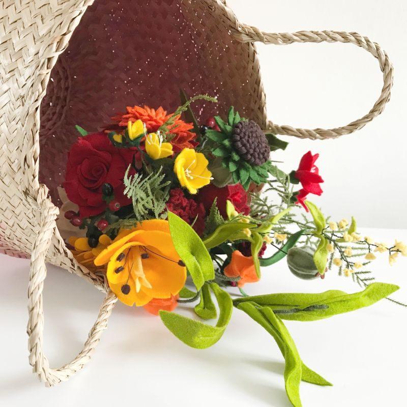 Bruidsboeket met Vilten Bloemen nagemaakt van Bruidsboeket met echte bloemen