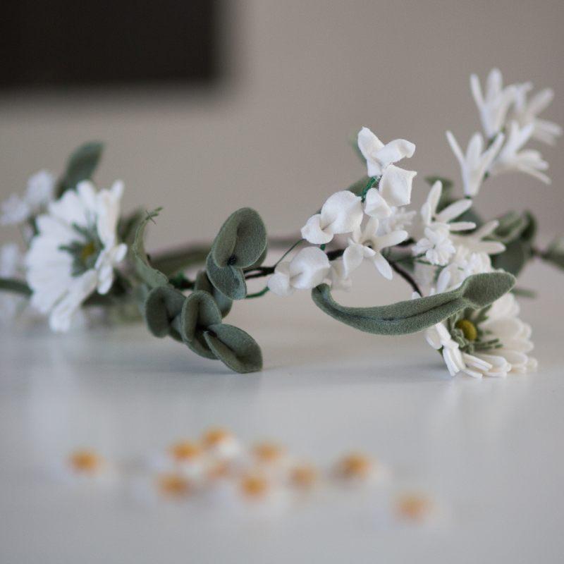 Rouwkrans met witte bloemen